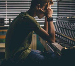 Piano para principiantes: ¿digital o acústico?