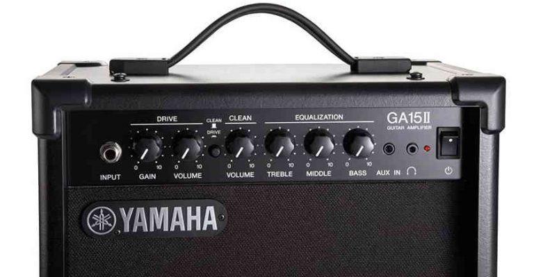 Controles del amplificador Yamaha GA15II